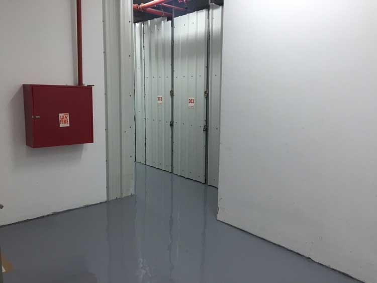 כניסה לשדרת מחסנים חברת אחסון בטוח