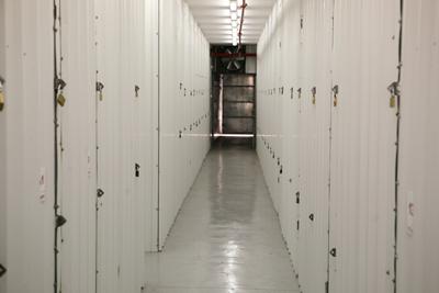 שדרת מחסנים באחסון בטוח
