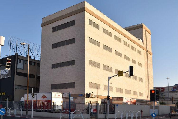 בניין המחסנים של אחסון בטוח